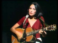 Joan Baez - The Partisan (live in France, 1973)