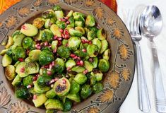 Cider Glazed Roasted Brussels Sprouts (Oh My Veggies) Vegetarian Roast, Vegetarian Cooking, Vegetarian Recipes, Healthy Recipes, Healthy Junk, Healthy Eating, Vegan Food, Yummy Recipes, Clean Eating