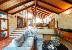 Tonia & Gregory's Warm Coastal Home