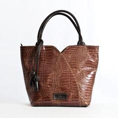 Bolso de Mano en piel de primera calidad El Montes. Tote Bag, Fashion, Women's Handbags, Hands, Fur, Women, Moda, Fashion Styles, Carry Bag