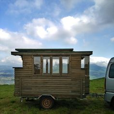japan tiny house 002 Man in Japan Builds Micro DIY Tiny House on Wheels Shed Roof, House Roof, Japanese Tiny House, Japanese Style, New Mexico, Roof Styles, House Styles, Ontario, Tiny House France