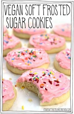 Vegan Soft Frosted Sugar Cookies: pillowy soft, cakey, frosted cookies- they are almost like the top of a cupcake that got smushed into a cookie complete with frosting and sprinkles! Decorate t Soft Frosted Sugar Cookies, Vegan Sugar Cookies, Sugar Cookie Frosting, Easy Vegan Cookies, Molasses Cookies, Vegan Cupcakes, Dairy Free Egg Free Cookies, Dairy Free Sugar Cookie Recipe, Dairy Free Frosting