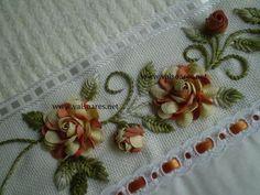 Artes da Cris: Rosa de sianinha trançada