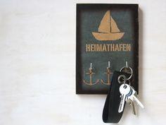 Schlüsselbretter & -kästen - Schlüsselbrett mit Schiff : Heimathafen - ein Designerstück von TikiOno bei DaWanda