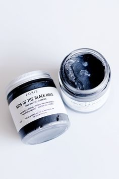 Gently exfoliate and absorb excess oils to leave dull, oily or acne-prone skin feeling fresh, matte, hydrated and clean. This is a face wash, not a mask. Wash Your Face, Face Wash, Coconut Oil Scrub, Beauty Land, Face Scrub Homemade, Acne Prone Skin, Face Cleanser, Body Scrub, Spray Bottle