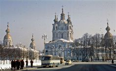 Daily life at the Soviet Union, 1966 Soviet Union, San Francisco Ferry, Barcelona Cathedral, Taj Mahal, Environment, History, Building, Places, Pictures