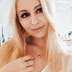 """Polubienia: 79, komentarze: 5 – Zuzanna (@elfinea0) na Instagramie: """"Oprócz ramen🍜 najbardziej w świecie kocham pierogi🥟❤️ I mój chłopak o tym wie🥂"""" Ramen, Hoop Earrings, Jewelry, Instagram, Fashion, Moda, Jewlery, Jewerly, Fashion Styles"""