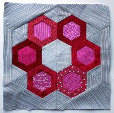 Garfunkel paper pieced quilt block tutorial by Wombat Quilts Free Paper Piecing Patterns, Quilt Block Patterns, Quilt Blocks, Hexagon Quilting, Quilting Room, Patchwork Quilt, Quilt Modernen, Foundation Paper Piecing, Quilt Stitching