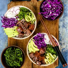 Dé nieuwe hype van foodies: Poké bowls! #recept #pokebowl Easy Healthy Recipes, Asian Recipes, Ethnic Recipes, Healthy Food, One Pot Meals, Easy Meals, Sushi Bowl, Poke Bowl, Chili Lime