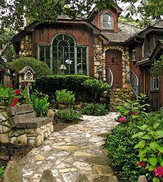 La casa dei sogni Casa Linda, Stone Cottage Homes, Stone Homes, Cottage Style Homes, Stone Cottages, Cotswold Cottages, French Cottage Style, Stone Walkway, Stone Path