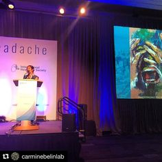 Carmen Fourier @carminebelinlab team, presenting #clusterheadache #research at #ihc2017 #trainees #excellencetournament with Arte Cluster Art😍Thank you‼️#cluster #headache #carminebelinlab #instalike #instapic #chronicpain #neurology