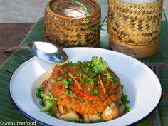 Laotischer warmer Auberginen-Salat mit Curry   Asia Street Food – Asiatische Rezepte aus den Straßenküchen Vietnams, Thailands, Kambodschas, Myanmars und Burmas
