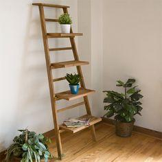 Blumenständer selber bauen - Alte Holzleiter als Blumenleiter benutzen