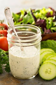 So Einfach Machen Sie Joghurt Dressing Fur Salat Selbst Rezept Rezept Joghurtdressing Salatsaucen Rezepte Salatdressing Rezepte