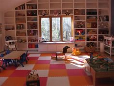 In home Daycare Daycare Jobs, Home Daycare Rooms, Daycare Crafts, Daycare Ideas, Play Spaces, Small Spaces, Playroom Layout, School Projects, Childcare