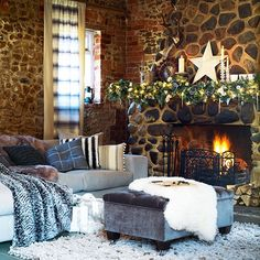Laid-back living room | Country Christmas living rooms | Living room | PHOTO GALLERY | Country Homes & Interiors | Housetohome.co.uk