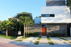 MP28 House