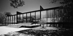 Illinois Institute of Tech Crown Hall. Mies van der Rohe. Chicago, Illinois.