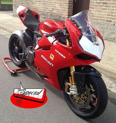 Ducati Panigale 851 réplica - repined by http://www.motorcyclehouse.com/
