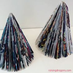 Magazine Christmas Trees * from 6 years ⋆ Raising Dragons - U .-Magazine Christmas Trees * ab 6 Jahren ⋆ Raising Dragons – UPCYCLING IDEEN Magazine Christmas Trees * from 6 years ⋆ Raising Dragons, - Christmas Tree Crafts, Christmas Projects, Simple Christmas, Christmas Ornaments, Christmas Tree Made Of Books, Paper Christmas Trees, Diy Christmas Gifts Videos, Christmas Crafts For Kids To Make At School, Christmas Holiday