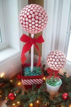 147 best christmas decor using candy cane theme images on pinterest