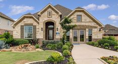 Willow grove new home community - schertz - san antonio, texas Log Homes Exterior, Dream House Exterior, Exterior House Colors, Ranch House Plans, New House Plans, Dream House Plans, San Antonio, Hacienda Style Homes, Lawn And Landscape