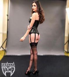 Known cosplayer Leeanna vamp backshot