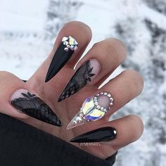 "2,167 aprecieri, 8 comentarii - Stiletto Nails (@stilettosuicide) pe Instagram: ""@aymehnails #stilettosuicide #nailporn #stilletonails"""