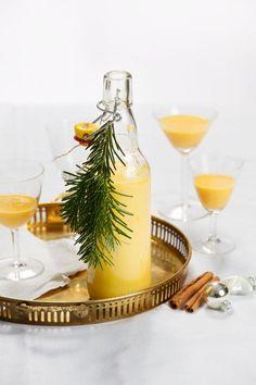 Make eggnog yourself! - My CMS Homemade Liquor, Homemade Gifts, Diy Christmas Presents, Christmas Cocktails, Party Desserts, Rice Krispie Treats, Alcohol Free, Milkshake, Smoothies