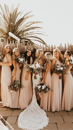 Cute Wedding Ideas, Wedding Goals, Wedding Pics, Beige Wedding, Natural Wedding Ideas, Woods Wedding Ideas, Modern Wedding Ideas, Perfect Wedding, Wedding Styles