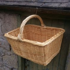 Baker's arm basket for bread