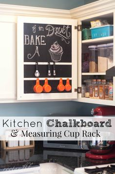 This is a fantastic idea from Root and Blossom. It's a kitchen chalkboard rack! Kitchen Dining, Kitchen Decor, Dining Room, Cabin Ideas, House Ideas, Kitchen Chalkboard, Rustic Country Kitchens, Decor Ideas, Craft Ideas