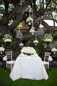 How pretty for a backyard wedding / San Diego Ceremony Magazine Tabletop Inspiration: Bauman Photographers, Embellishment Floral via CeremonyBlog.com