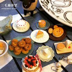 姉が作ったミニチュアたちです すごく可愛いのです:) − #こぐまちゃん #チビドーナツ #イチゴのケーキだけ三毛猫食堂 #ぐでたまはガチャポン #ミニチュアフード  #フェイクフード  #miniaturefood #fakefood