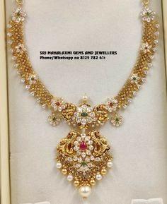Jewelry OFF! Latest designs of necklaces at most competitive rates. Gold Temple Jewellery, Gold Wedding Jewelry, Gold Jewelry Simple, Gold Bangles Design, Gold Earrings Designs, Gold Jewellery Design, Chocker, Siri, Indian Gold Necklace