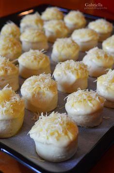 Pehelykönnyű sajtos-burgonyás pogácsa Cake Recipes, Snack Recipes, Snacks, Pretzel Bites, Doughnut, Muffin, Food And Drink, Baking, Breakfast