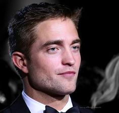 """""""He's not just a pretty face. He could be one of the most interesting actors of his generation"""" — The Rover red carpet commentary Cannes 2014 edit pattinsonworld"""