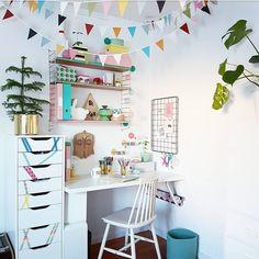 """(@jennyshusochhem) Många har undrat om tösens skrivbord. Det är ett enkelt hemmabygge med produkter från Ikea.…"""""""