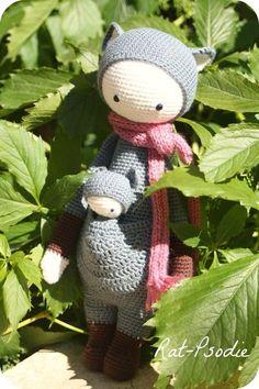 KIRA the kangaroo made by ratpsodie / crochet pattern by lalylala