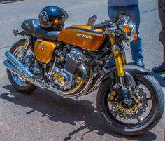 RocketGarage Cafe Racer: Four Neo vintage