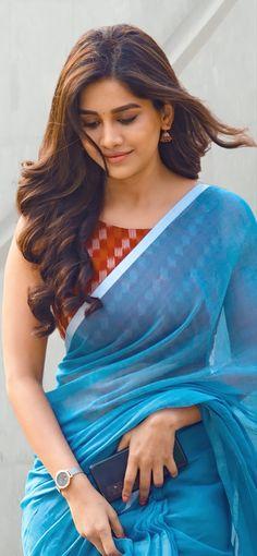 Beautiful Girl In India, Beautiful Blonde Girl, Beautiful Girl Photo, Beautiful Saree, Beautiful Asian Girls, Beautiful Women, Cute Beauty, Beauty Full Girl, Beauty Women