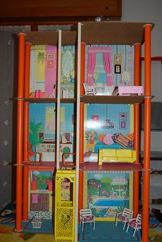 1975 Barbie Townhouse (before Barbie got hoity-toity and got the yellow and white DREAM HOUSE)