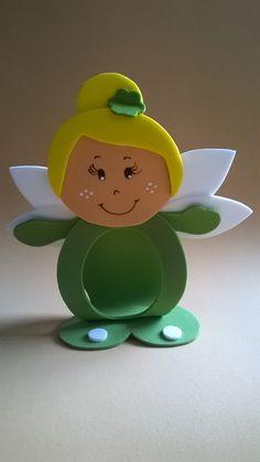 Tinker Bell porta bombom Kids Crafts, Baby Crafts, Diy And Crafts, Arts And Crafts, Foam Sheet Crafts, Foam Crafts, Easter Basket Template, Christmas Crafts, Christmas Ornaments
