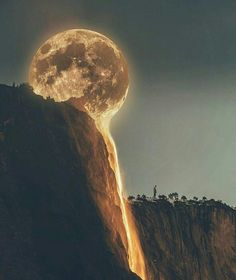 La Luna Photo by & edited by Bleed It Out, Beautiful Moon, Beautiful Places, Wonderful Places, Paris Coffee, Imagen Natural, Nature Landscape, Shoot The Moon, Moon Pictures