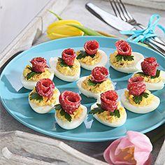 sm - vajíčka plnené krémom Mini Cupcakes, Party, Foods, Cooking, Desserts, Food, Side Dishes, Food Food, Cucina