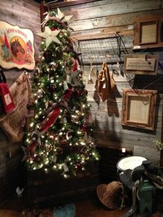 Western Christmas Decorations Design Ideas, Pictures, Remodel, and Decor