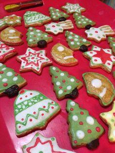 Petits biscuits de Noël Christmas Desserts, Christmas Cookies, Christmas Holidays, Diy Food, Sugar Cookies, Holiday Recipes, Deserts, Crack Crackers, Party