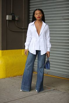 Your glimpse at all the best-dressed folks attending runway shows, after parties and everything in between at New York Fashion Week Spring Black Women Fashion, I Love Fashion, Diy Fashion, New York Fashion Week 2018, Love Her Style, Street Style Looks, Fashion Pictures, Get Dressed, Casual Looks