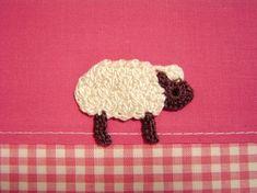編み図です↓  段ごとに色分けしています。  かぎ針編みの編み方の基礎はこちら↓を参考にしてください。  毛糸のピエロ かぎ針編みムービー...