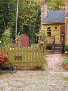Another view of the mustard cape. I love Donna's home and her style. -DE